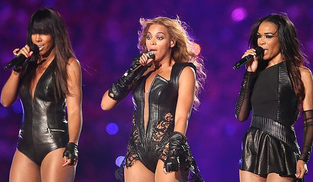 Destiny's Child performing live